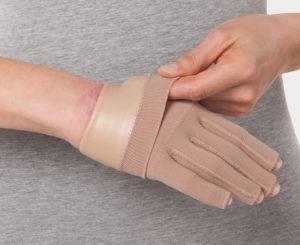 Handschuh-mit-kompression